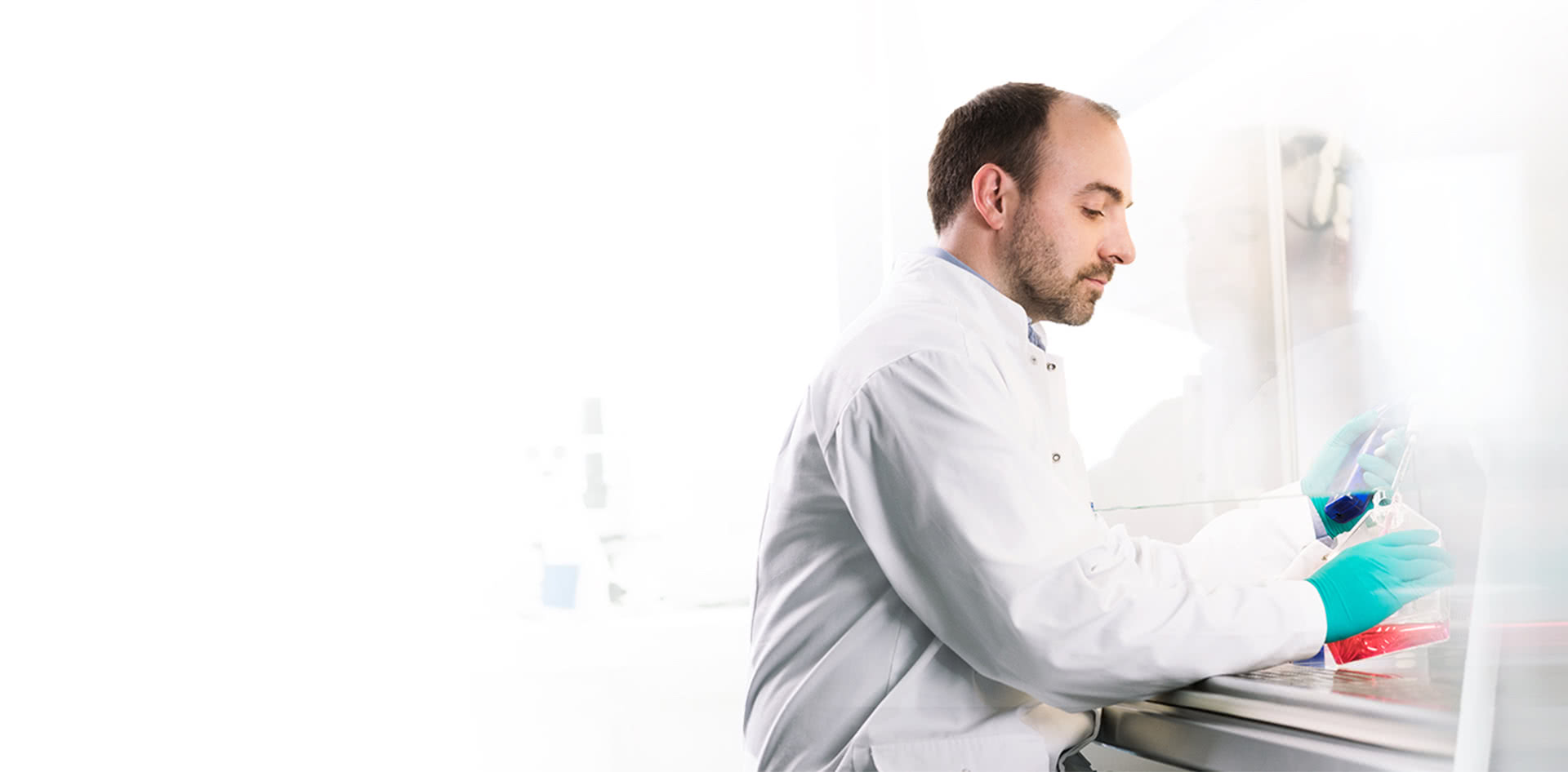 Male HCP in lab environment